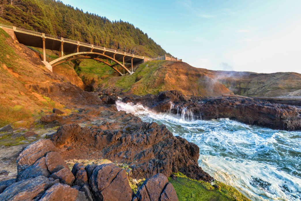 20170509_Oregon_tidepool-bridge-oregon-coast